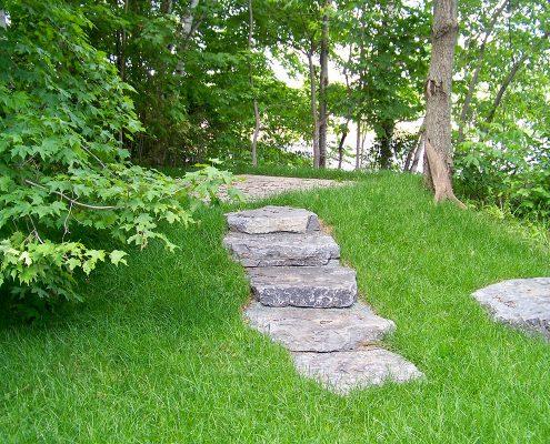 Escalier pierres naturelles